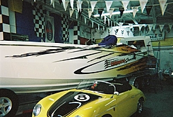 boat show pics-11-5-2005-27-medium-.jpg