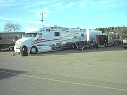 Who posted that picture of the 50 some foot kenworth motor home a while back ?-tow-truck-640x480.jpg