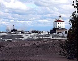 Lake Erie (our summer playground)-fairport_light_111.jpg