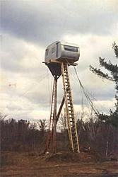 Redneck Photos - A good laugh!-redneck-deer-stand-2.jpg