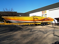 New 38 Donzi ZX vs. 42 Executioner-2006-43-zr-outside-small.jpg