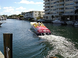 A day on the water with Bob Saccenti-miami-boat-show-2006-097-medium-.jpg