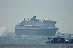 Queen Mary 2 Visits Long Beach Today!-dsc_0011.jpg