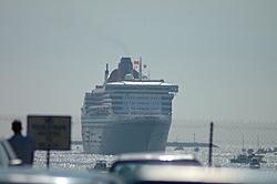 Queen Mary 2 Visits Long Beach Today!-dsc_0013.jpg