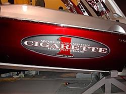 Floating Reporter-2/26/05-Miami Boat Show Poker Run & Shooters Hot Bod Contest-miami-boat-show-2006-011-medium-.jpg