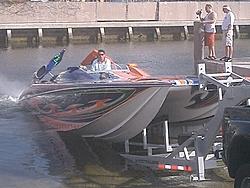 Floating Reporter-2/26/05-Miami Boat Show Poker Run & Shooters Hot Bod Contest-miami-poker-run-06-010.jpg