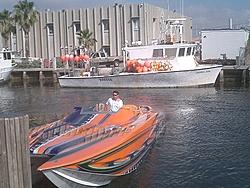 Floating Reporter-2/26/05-Miami Boat Show Poker Run & Shooters Hot Bod Contest-miami-poker-run-06-012.jpg