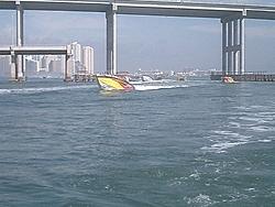 Floating Reporter-2/26/05-Miami Boat Show Poker Run & Shooters Hot Bod Contest-miami-poker-run-06-015.jpg