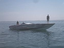 Floating Reporter-2/26/05-Miami Boat Show Poker Run & Shooters Hot Bod Contest-miami-poker-run-06-020.jpg