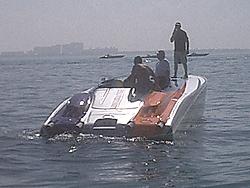 Floating Reporter-2/26/05-Miami Boat Show Poker Run & Shooters Hot Bod Contest-miami-poker-run-06-021.jpg