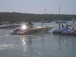 Floating Reporter-2/26/05-Miami Boat Show Poker Run & Shooters Hot Bod Contest-miami-poker-run-06-025.jpg
