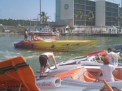 Floating Reporter-2/26/05-Miami Boat Show Poker Run & Shooters Hot Bod Contest-miami-poker-run-06-030.jpg