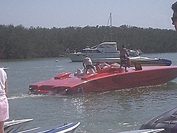 Floating Reporter-2/26/05-Miami Boat Show Poker Run & Shooters Hot Bod Contest-miami-poker-run-06-031.jpg