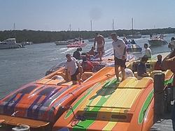 Floating Reporter-2/26/05-Miami Boat Show Poker Run & Shooters Hot Bod Contest-miami-poker-run-06-032.jpg