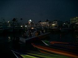 Floating Reporter-2/26/05-Miami Boat Show Poker Run & Shooters Hot Bod Contest-miami-poker-run-06-063.jpg
