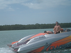Floating Reporter-2/26/05-Miami Boat Show Poker Run & Shooters Hot Bod Contest-miami-poker-run-06-072.jpg