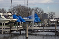 How not to park your stick boat-sailboat-damage1.jpg