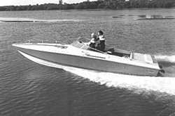 Show me you best old black and white boat pictures!-magnum1.jpg