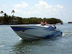 Floating Reporter-5/7/06-Fort Myers Poker Run Pics!!-img_3523.jpg