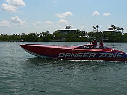 Floating Reporter-5/7/06-Fort Myers Poker Run Pics!!-p1000682-1-.jpg