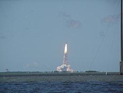 Historic 4th of July-shuttle-leaving-pad1.jpg
