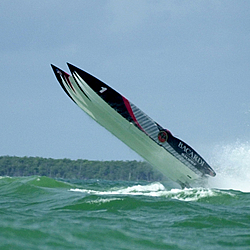 What's more exciting to watch? NASCAR or Offshore?-bacardivice.jpg