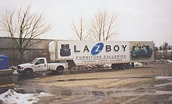 You Ford guys will like this pic...okay, Chevy too!!-01ford1.jpg