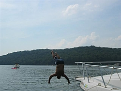 I don't think I ever told you guys I stuck someone with the Bayliner.-8-8-06bvilleboating010-small-.jpg