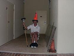 Happy Birthday Gordo !!!-gordo-toilet.jpg