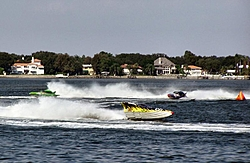 Get your Checkered Flag on Fox Sports Net-great-shot-3-boats.jpg