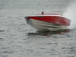 WOW, Check out the TUFF 28, inboard !!-p1010648.jpg