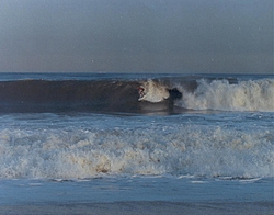 Post your Noreaster Pics!!!-surfing2.jpg