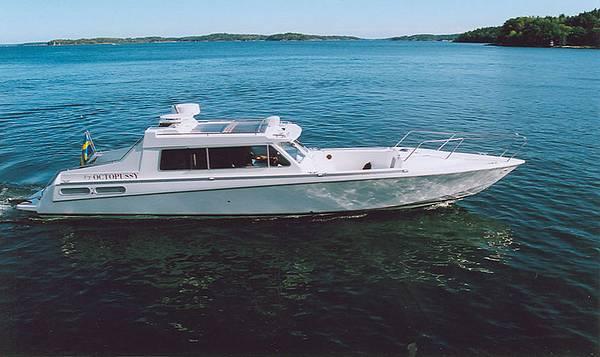 Aluminum offshore fishing boats
