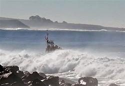 Even an Apache would struggle!!!-swells7cgg-boat.jpg