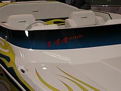 More pixs of the 144mph 25' Daytona-144mphdaytcloseupfront.jpg