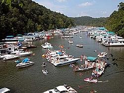 Lake Cumberland-030704_76crowd.jpg