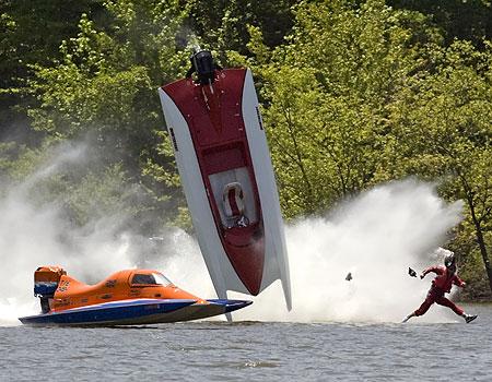 Wild boat crash photo offshoreonly wild boat crash photo 021051908boatg sciox Gallery