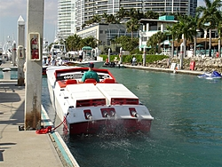 Unpowered Big Cigs and Apaches-miami-boat-show-2007-068-large-.jpg