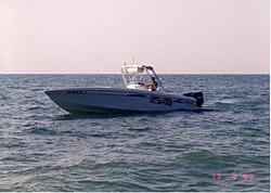 Donzi ZF-scarab-onwater1.jpg