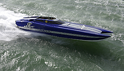 Motion 43 GT Awesome Hull Design-igp3235.jpg