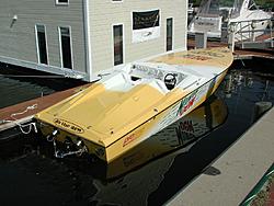 team mountain dew boat-27-io-dew-stern-medium.jpg