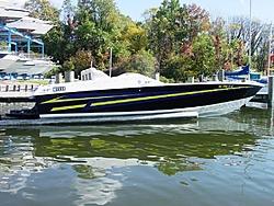 24' Cigarette Fire Fox vs 24' Banana Boat-091204-015.jpg