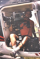 Offshore racing on CBS-phil-behind-camera-helicopter-1990-2.jpg