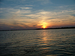 sunsets on the water pics!!-2006_0122image0010.jpg