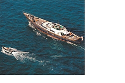 Yacht off FL Keys that ran aground during hurricane?-legacy-6-10-10.jpg