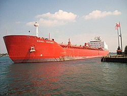 Luckily this freighter didn't do this during the ST. Clair races-100_0041.jpg