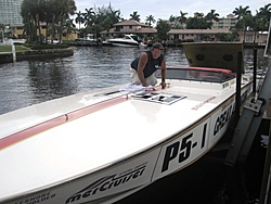 Fort Lauderdale Floating Reporter-Lunch at Shooters-garyonboat.jpg