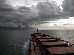Fake Hurricane Pictures???-stormfront.jpg
