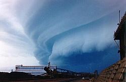 Fake Hurricane Pictures???-stormfront1.jpg
