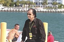 Post your best Reggie picture.-alt_3key-west-2010-reggie-fountain.jpg